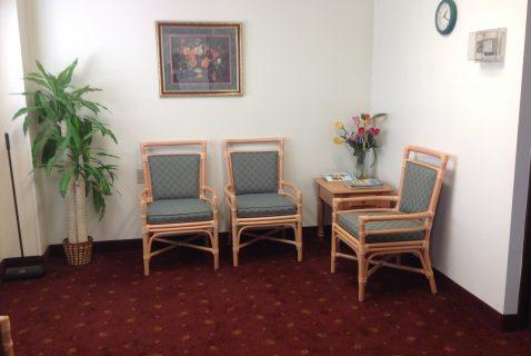 Laundry Room Waiting Area - Seton Kenton - a BRC Properties location