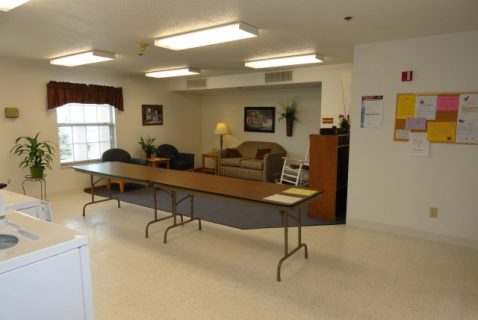 Laundry Waiting Area - Seton Washington Court House - a BRC Properties location